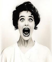 woman-freaking-out.-Twin-shock